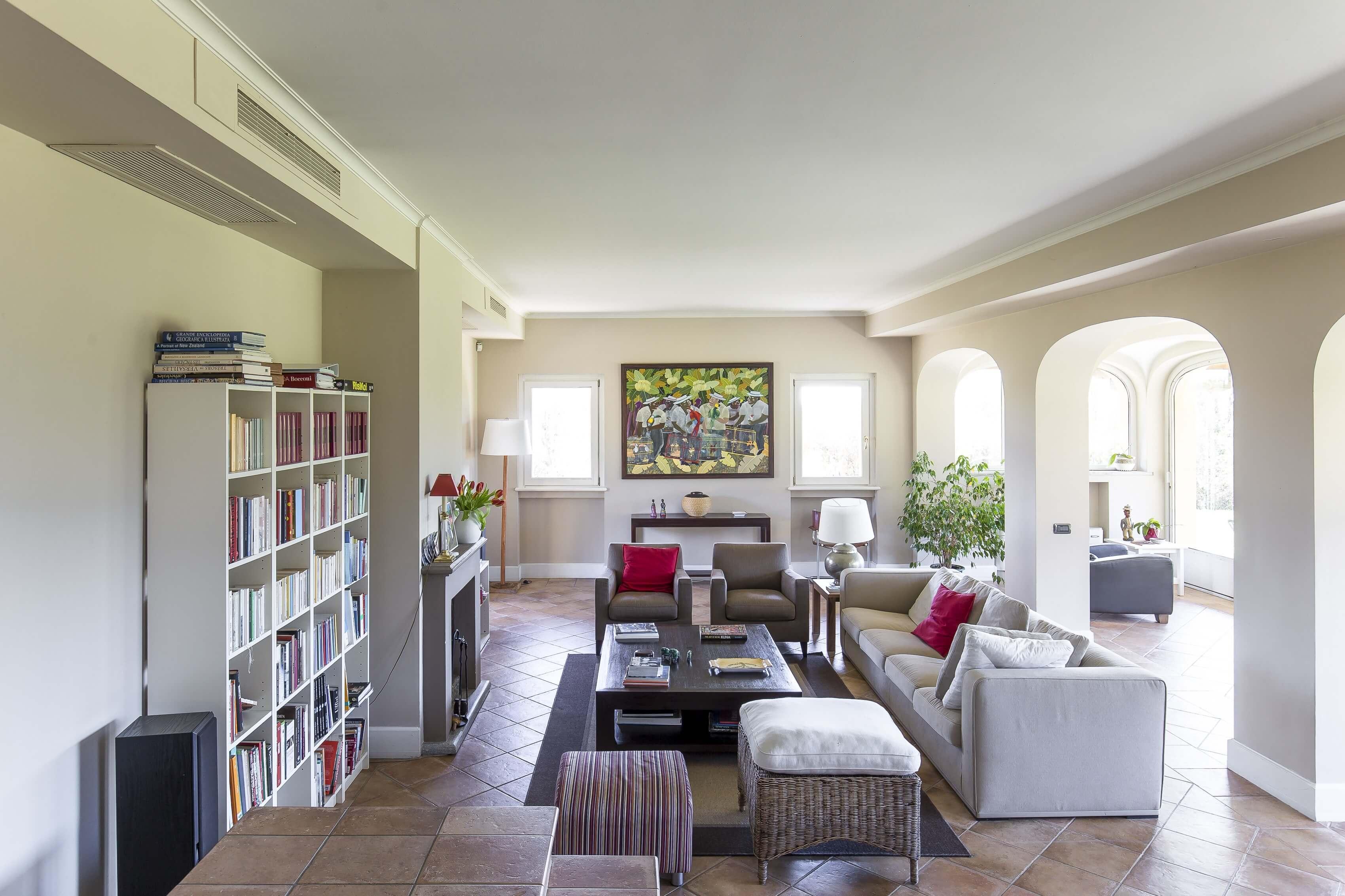 Luvinate: villa di charme in contesto prestigioso