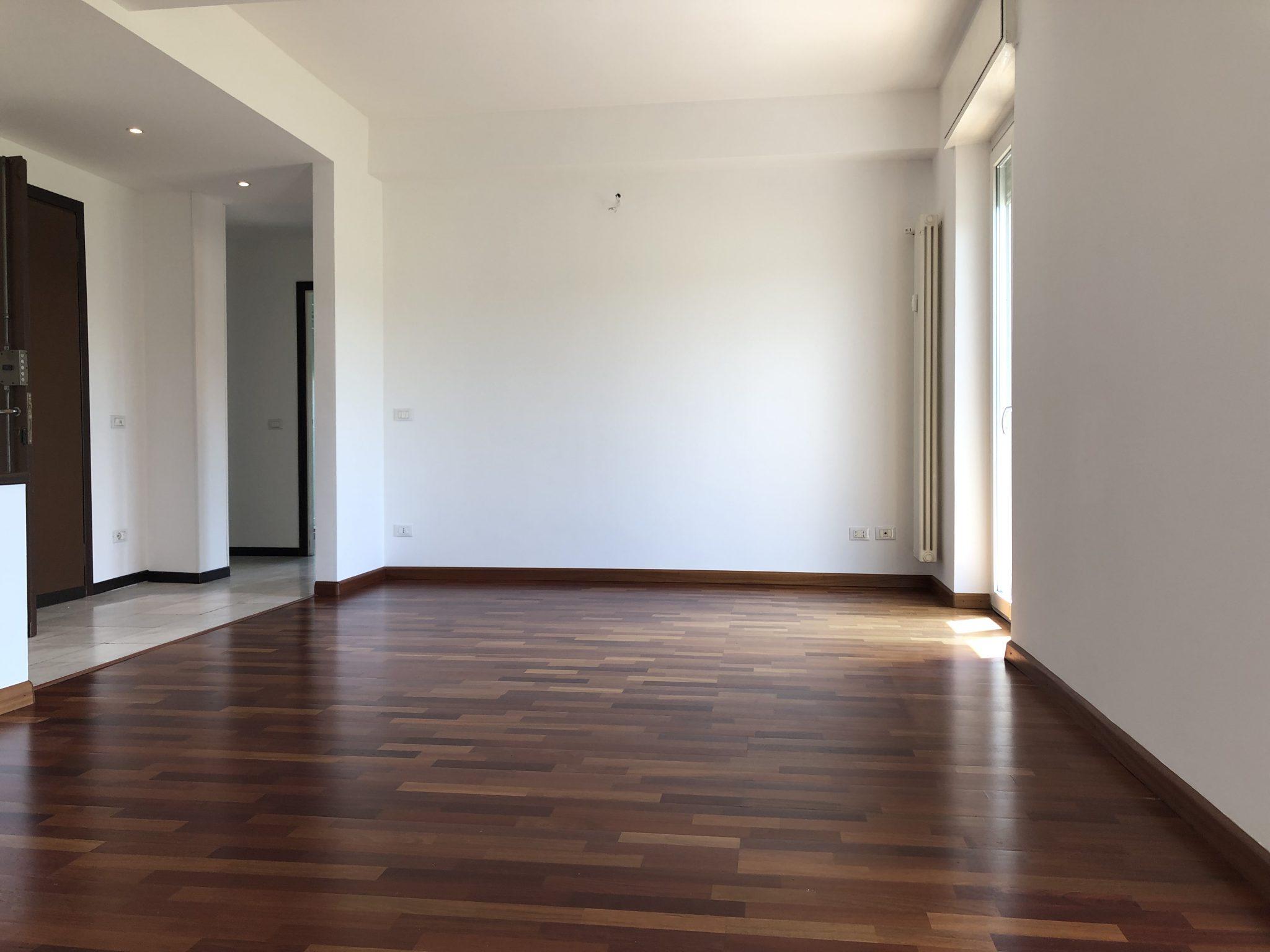 Varese Ippodromo: ampio e luminoso appartamento