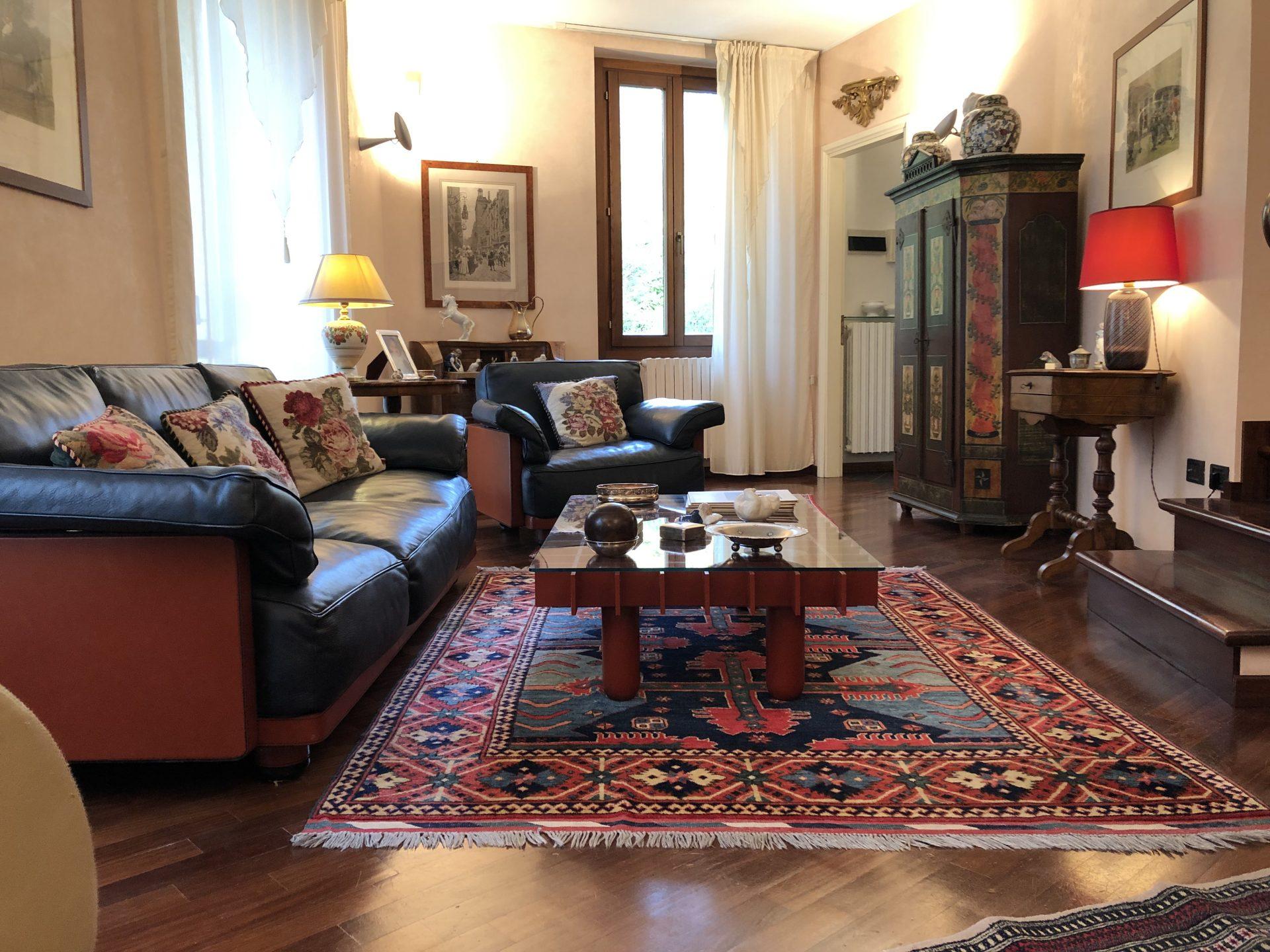 Varese - S. Ambrogio: elegante appartamento su due livelli