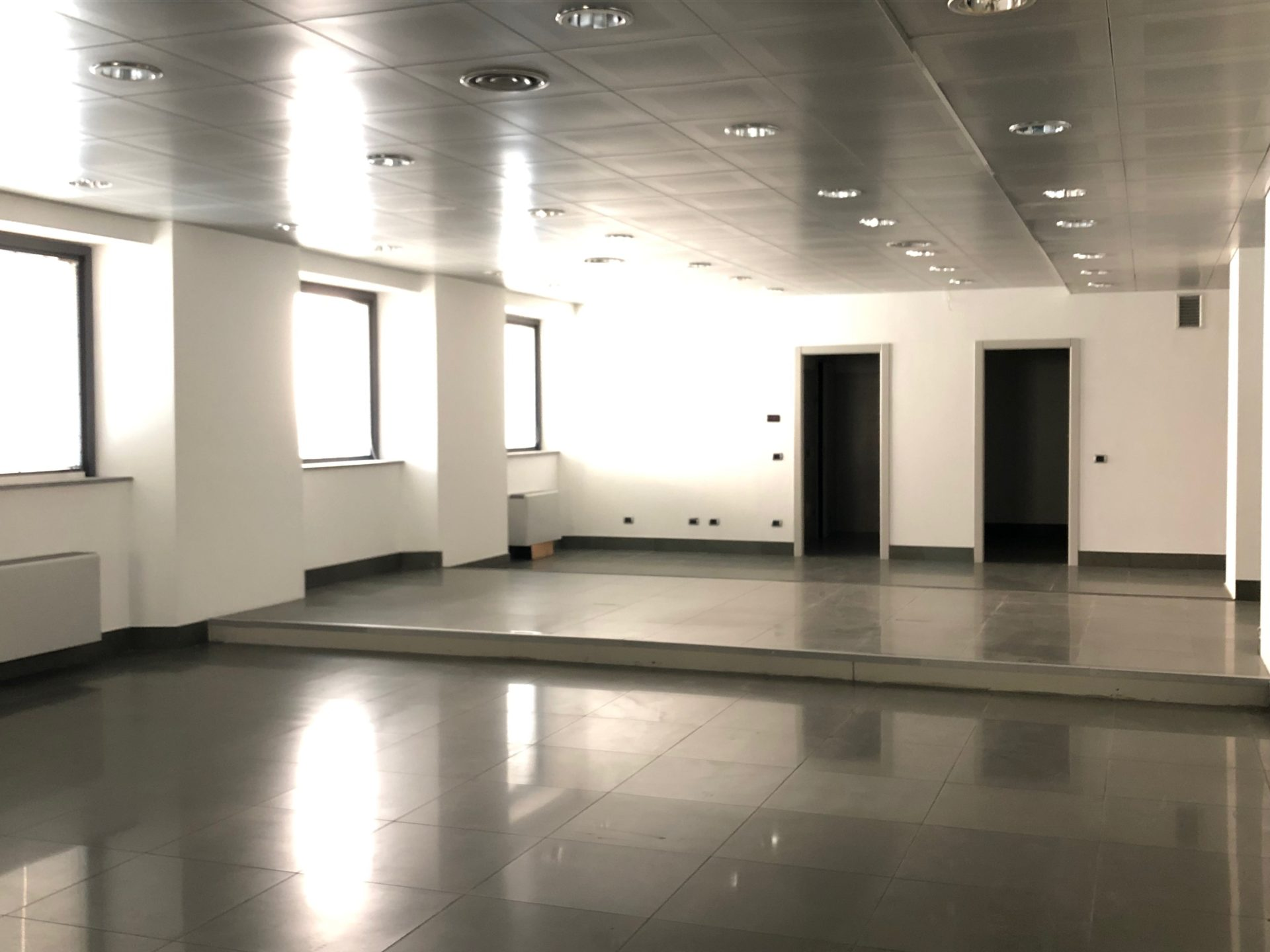 Varese Centro: ex filiale bancaria